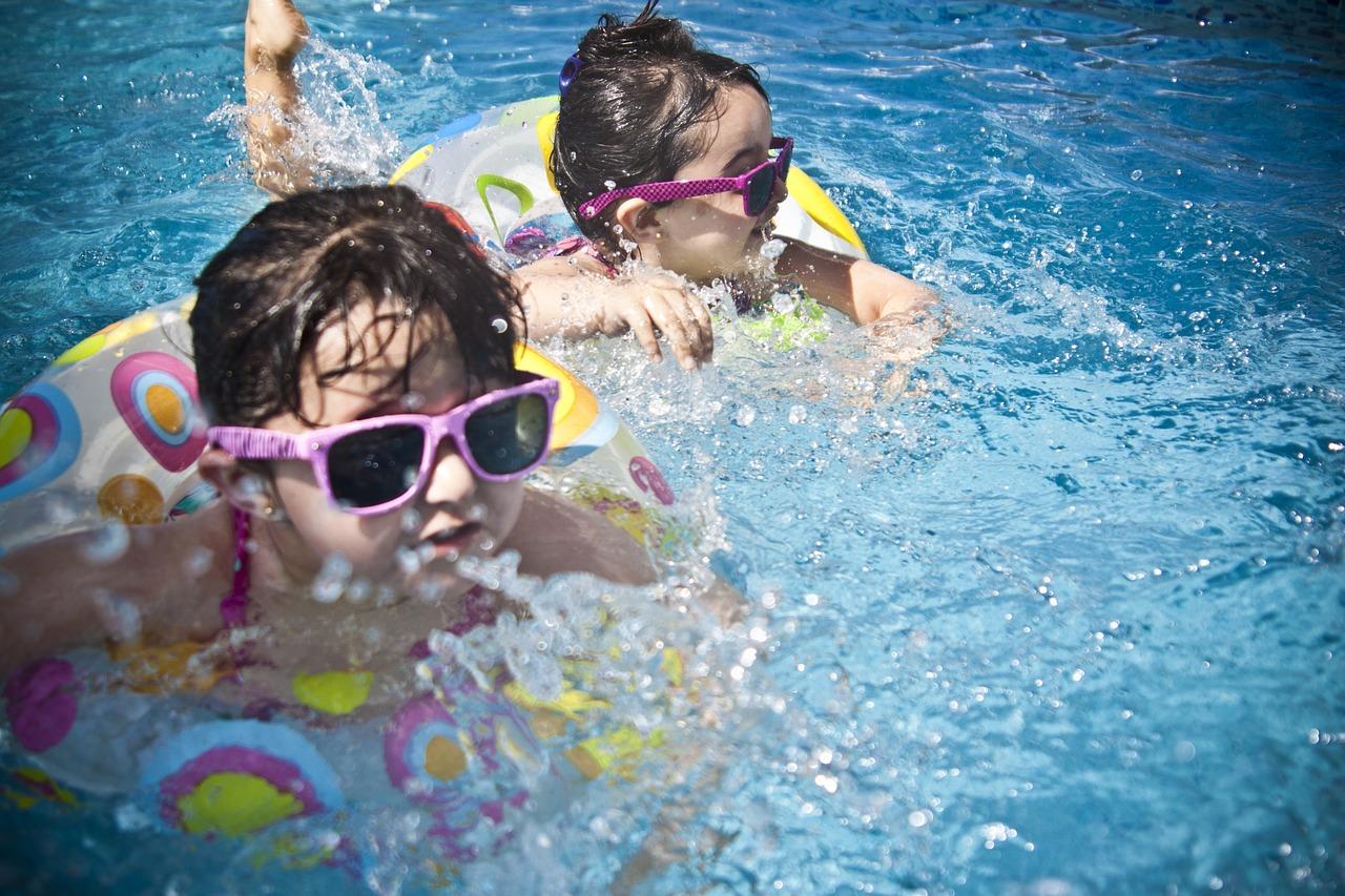 Manutenzione piscina di estate
