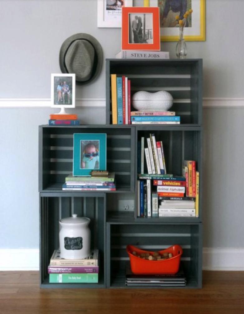 10 idee originali per realizzare librerie e scaffali creativi for Libreria fai da te