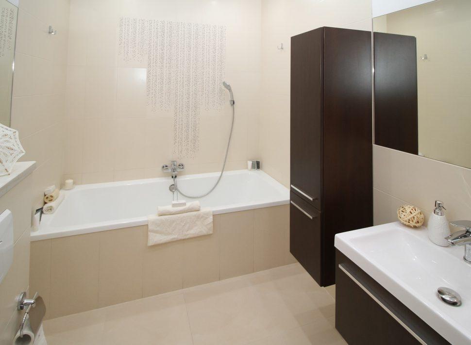 Interventi idraulici il costo del punto acqua - Costo di un bagno ...