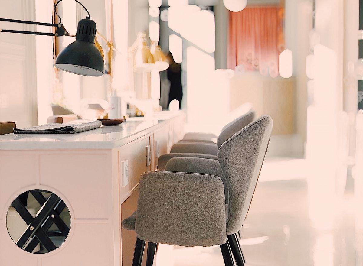 Creazione o riparazione sedie