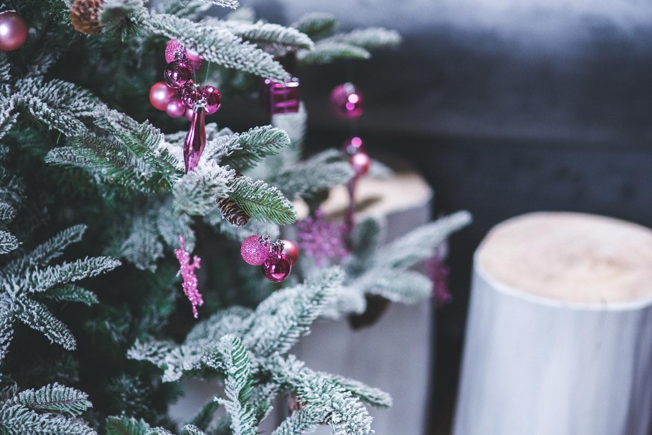 decorazioni natalizie rosa