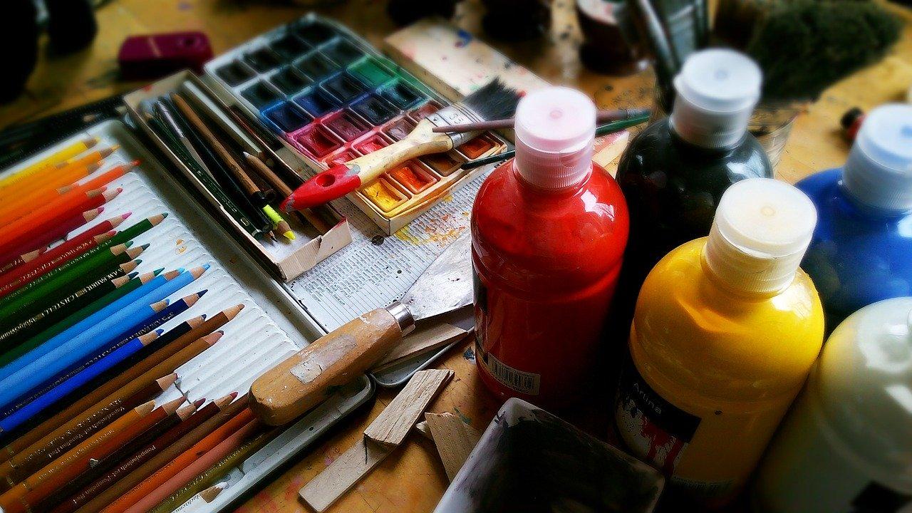 Corsi di disegno e pittura: un'esperienza terapeutica