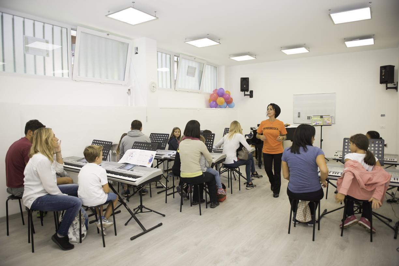 Mondomusica, la scuola di musica che offre esperienza